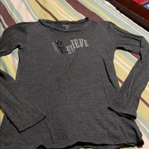 Women's Pullover Shirt. EUC
